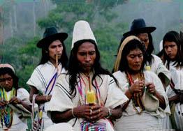 Kogi's houden een vuurceremonie